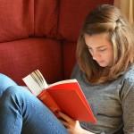 Studentské půjčky klidně i na jídlo v menze